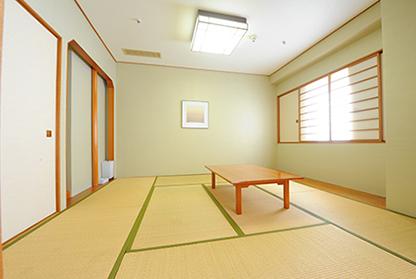 和洋室 (8畳+ツイン20㎡) (喫煙)